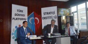 Doğu Türkistan Unutulmadı! Gök Bayrak ile Al Bayrak Fatih'te Buluştu
