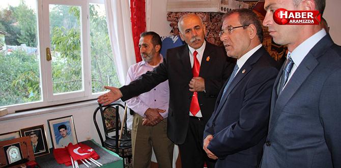 CHP Milletvekili Kemal Zeybek şehit aileleri ile bayramlaştı