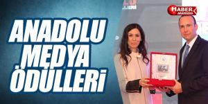 Karaaslan 'Anadolu Medya Ödülleri' törenine katıldı