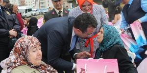 Şehit Anneleri Evlatlarının Adına Fidan Dikti