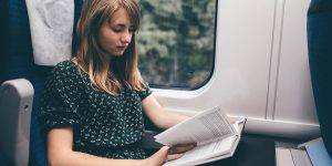 Yolculuk Esnasında Bir Şey Okurken Neden Midemiz Bulanıyor?