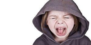 """Çocuklarınıza yüksek sesle """"Hayır"""" demeyi öğretin!"""
