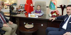 Başkan Tok, koltuğunu Minik Rana'ya devretti
