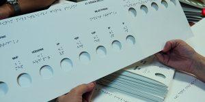 Görme engelliler tek başlarına oy kullanabilecek