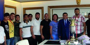 Pehlivan Şaban Yılmaz'dan Başkan İkiz'e ziyaret