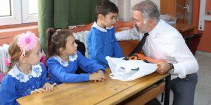 Belur'dan öğrencilere okul hediyesi