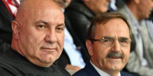 Başkan Şahin'den YILPORT HOLDİNG'e kutlama