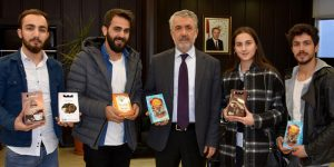 Girişimci Öğrencilerden Rektör Bilgiç'e Ziyaret