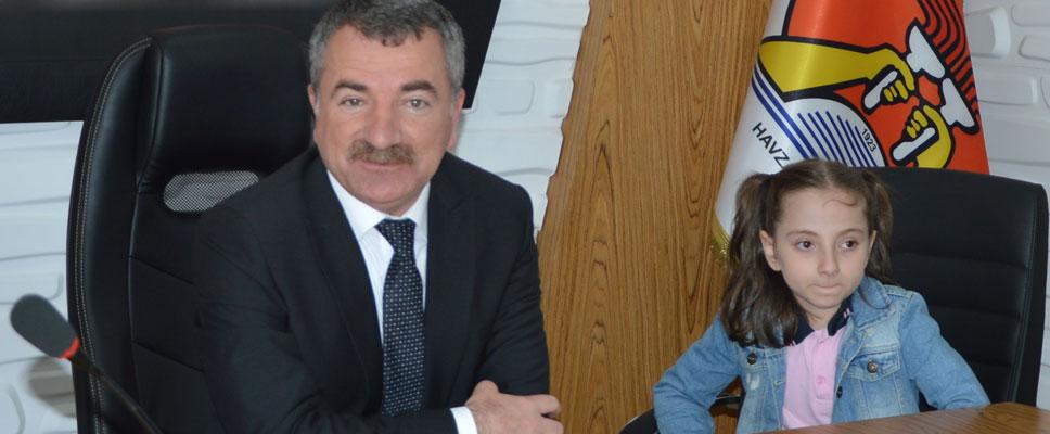Başkan Özdemir minik öğrenciler ile buluştu
