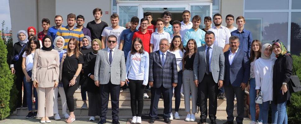 Başkan Doğan Üniversite Adayları ile Buluştu