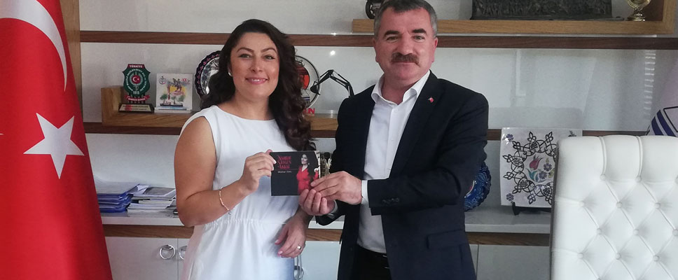Davudi Sesli Sanatçıdan Özdemir'e Ziyaret